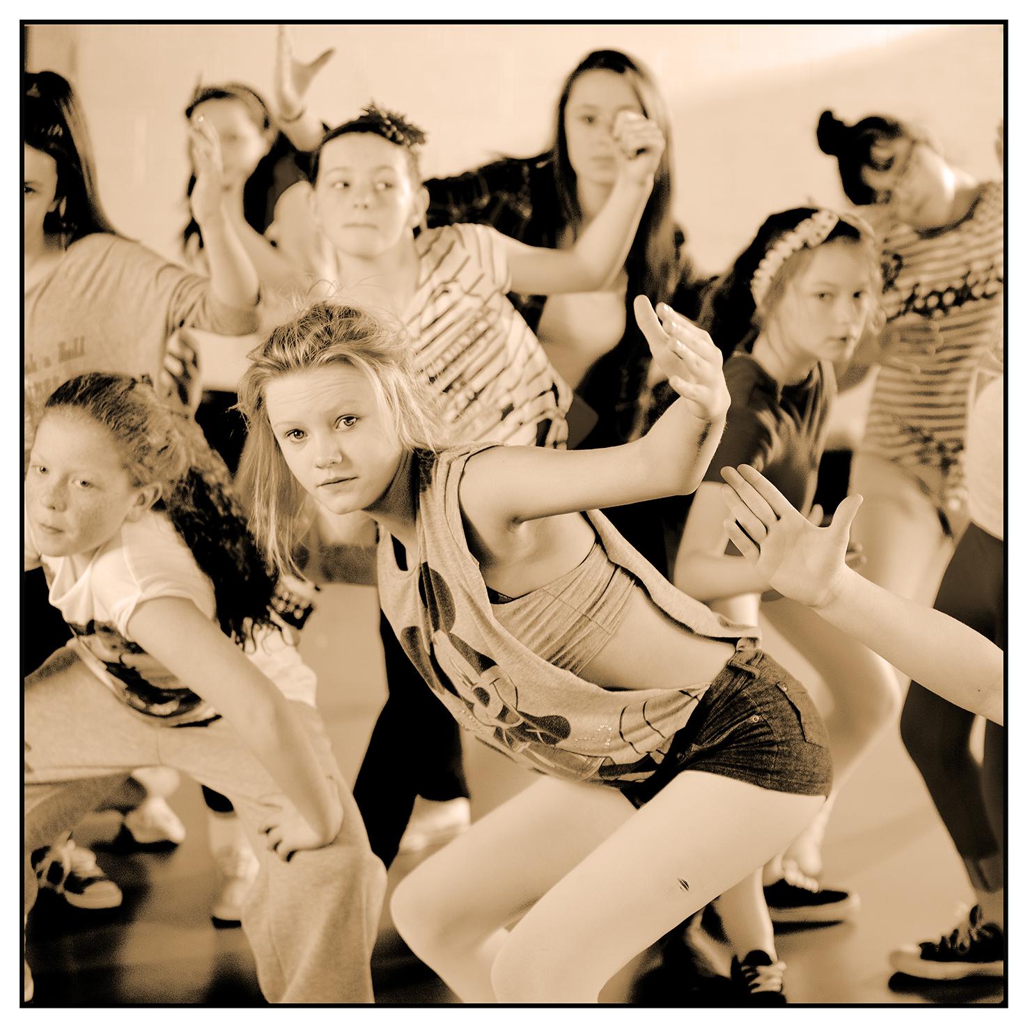 Dancersb0125.jpg