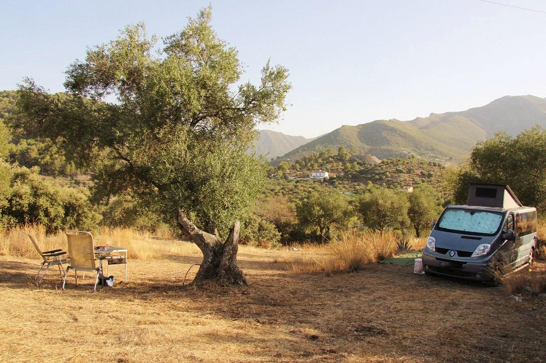 camper met uitzicht op Buhdah berg. 50.jpg