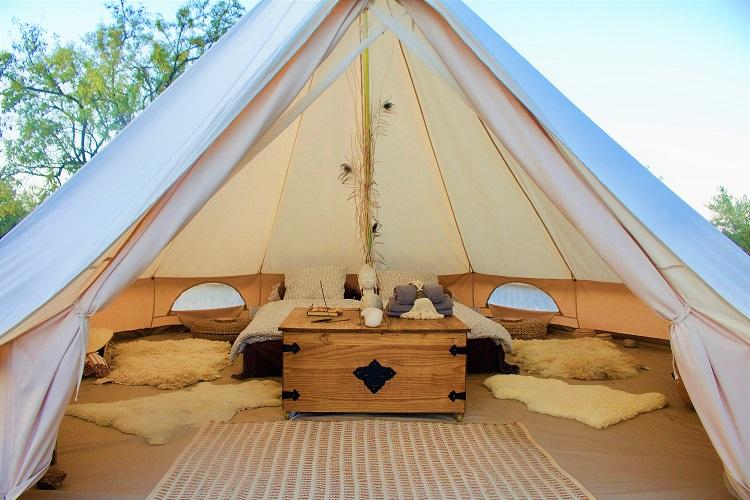 Tent front1 kleiner 25%.jpg
