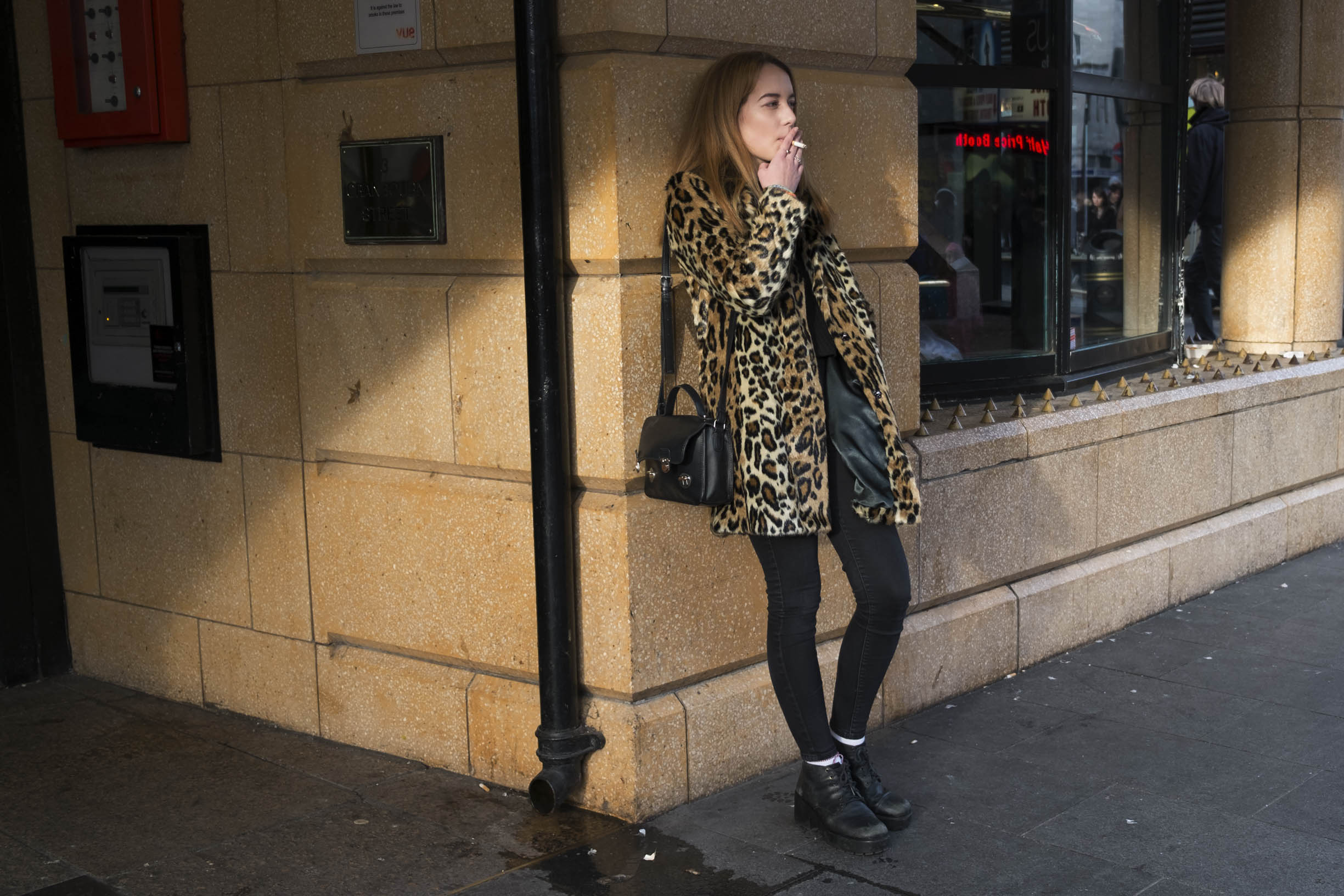 Camouflaged woman. Copyright: Mike Kemp