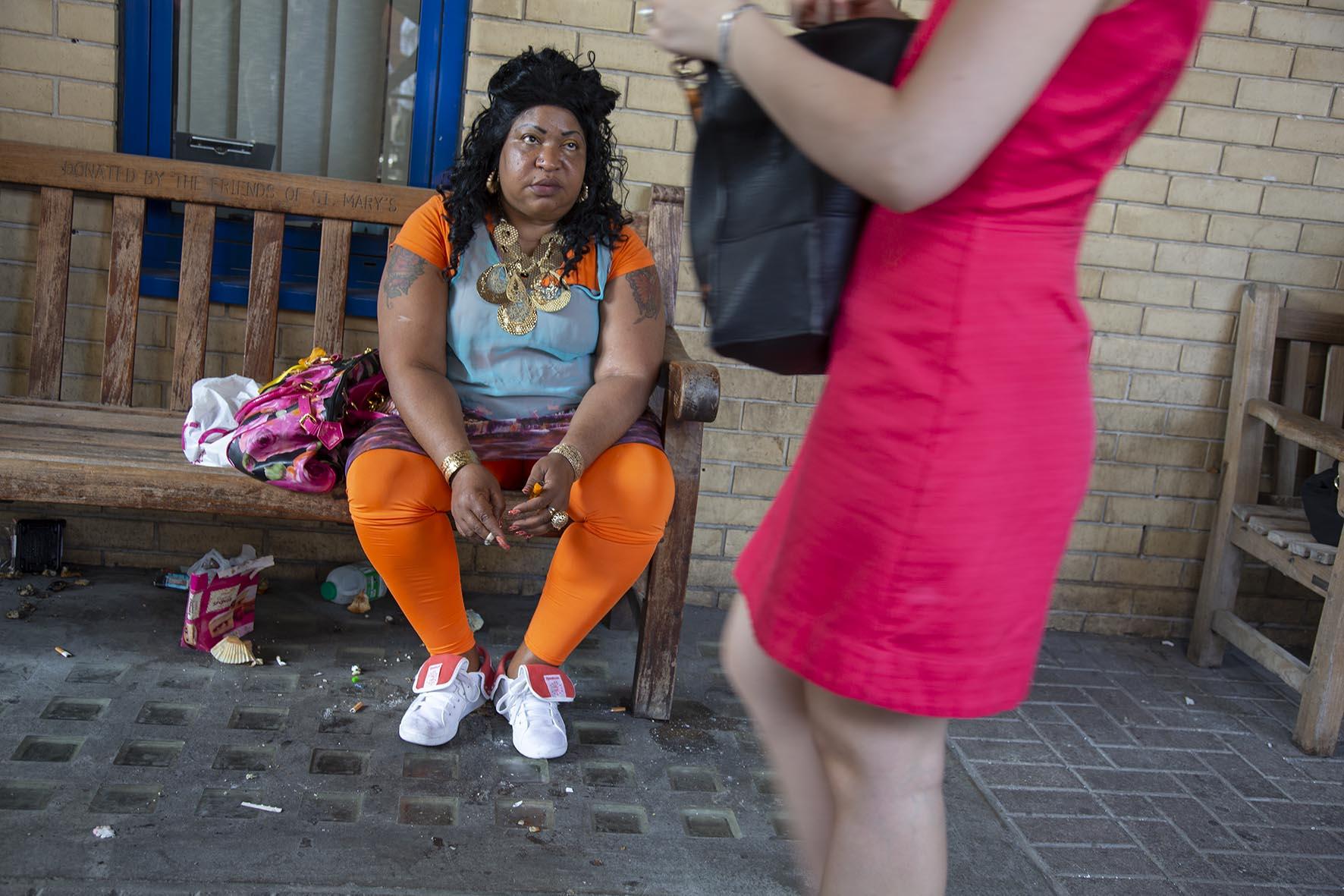 20130722_orange leggings woman_B.jpg