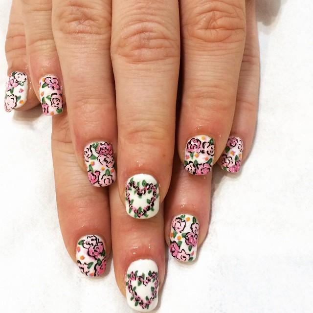 White pink rose gel nail art