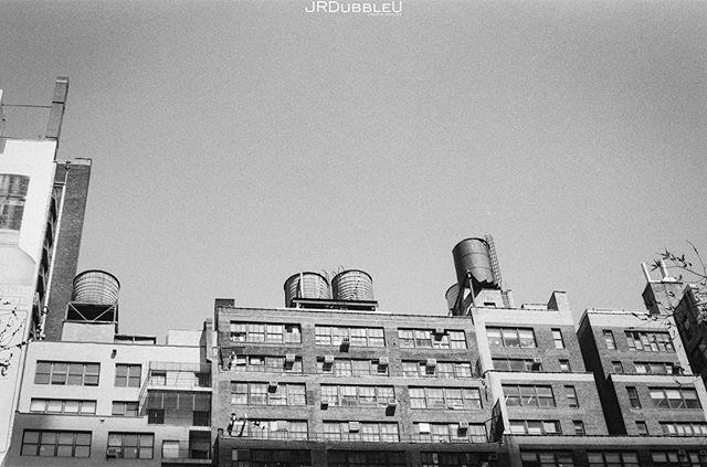 The #NewYork on #35mmfilm Series... . . . #film #filmisnotdead #filmphotography #agfa #agfafilm #35mm #newyorkcity #city #cityscape #canon_photos #igersnyc #streetphotography #bigcity #nyc #bnw #bnwphotography #bnwmood #bnw_captures #igersbnw #photooftheday #bnwcity #citylife #streetdreamsmag #zeiss #zeisslens #ishootfilm #analogphotography #thedarkroomlab