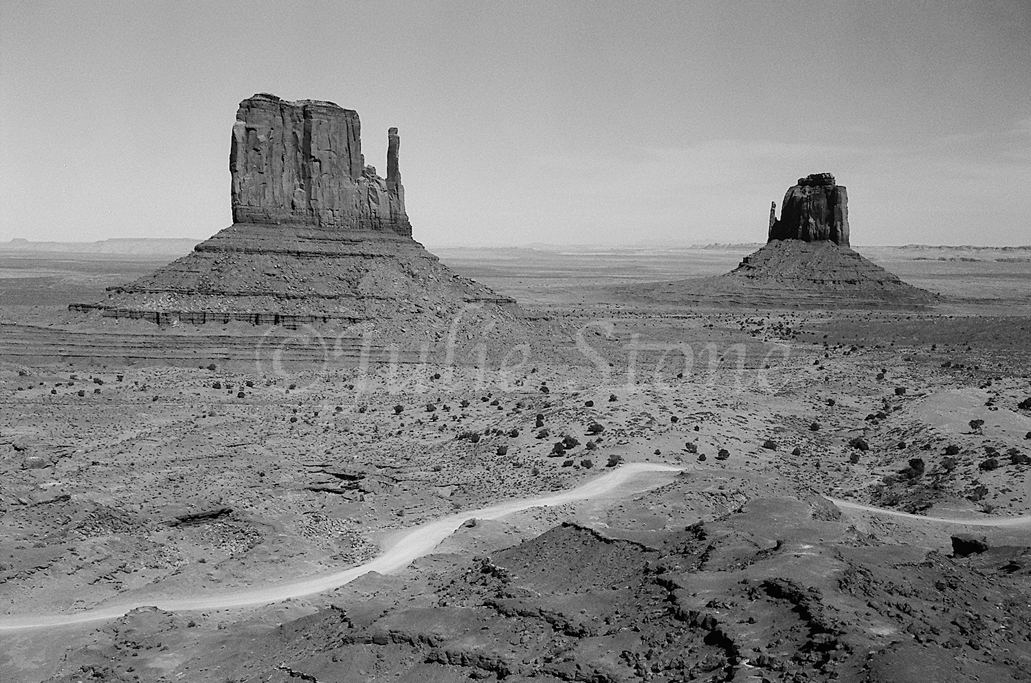 Monument Valley-The Mittens 2004