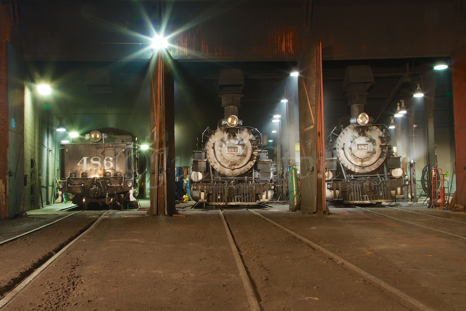 Engines 481 and 482 Fall Night Shoot 2014 (2)