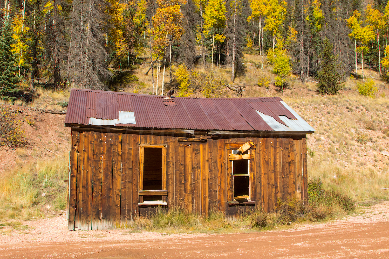 Building near Midwest Mine, Image # 3490