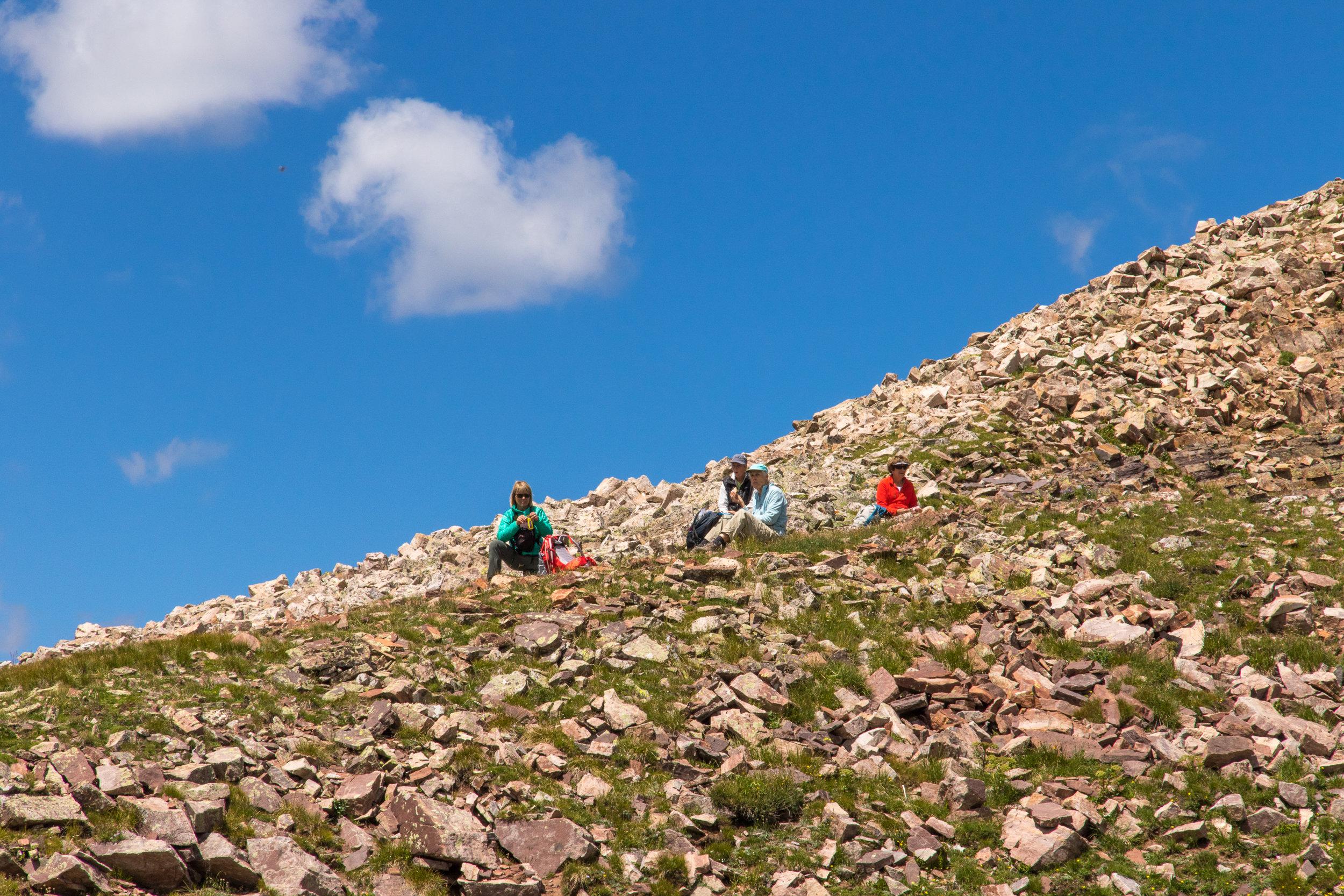 Mary Ann, Toby, Glenda and Lillian enjoy lunch on the ridge