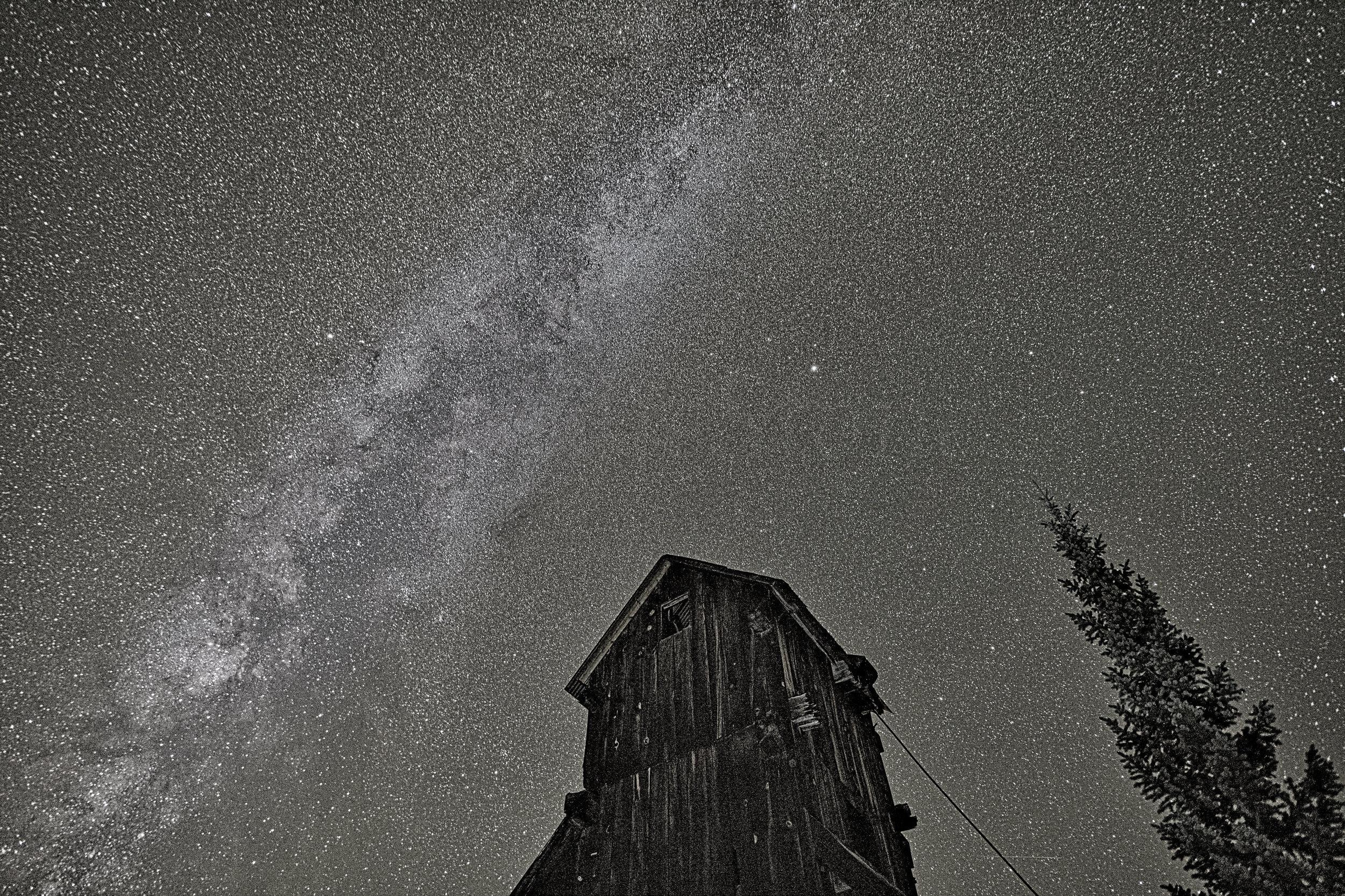 Milky way over Yankee Girl Mine, Image # 5556