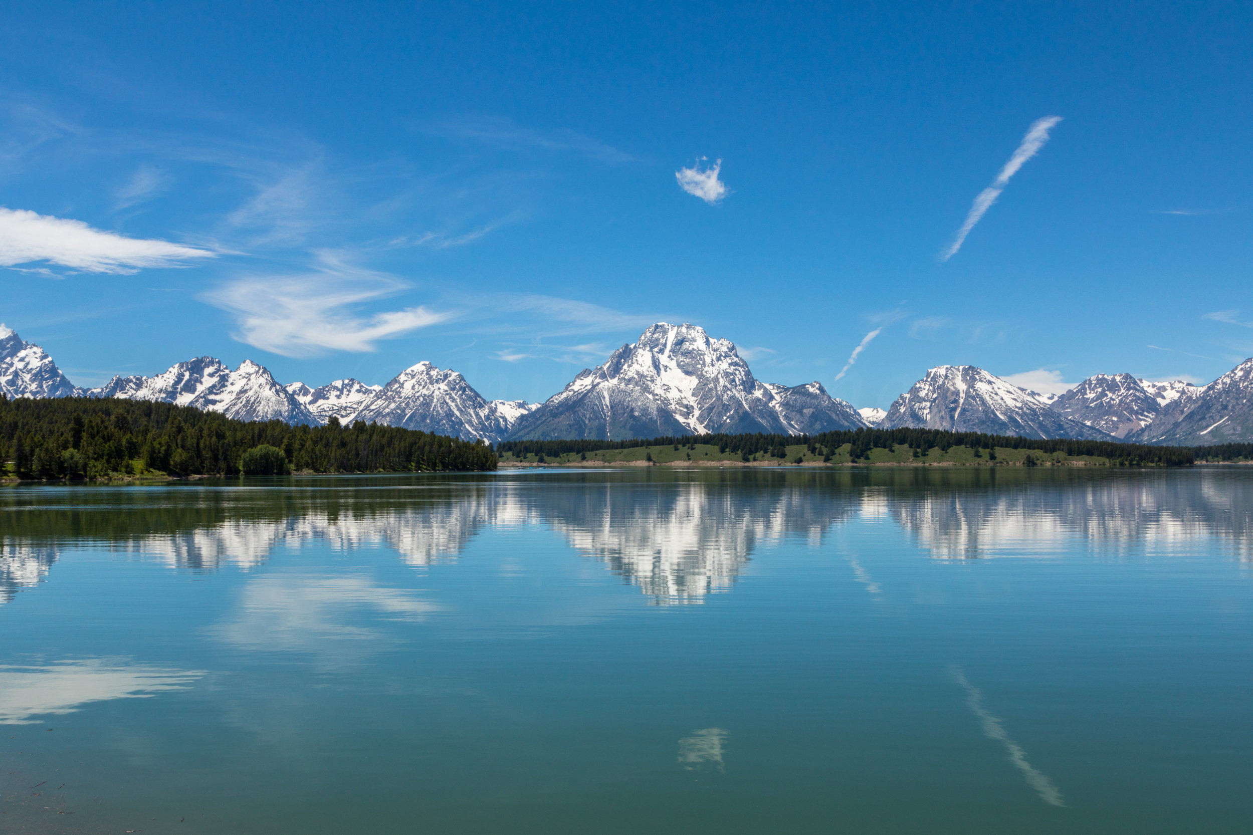 Reflection of Mount Moran in Jackson Lake, Image # 2532