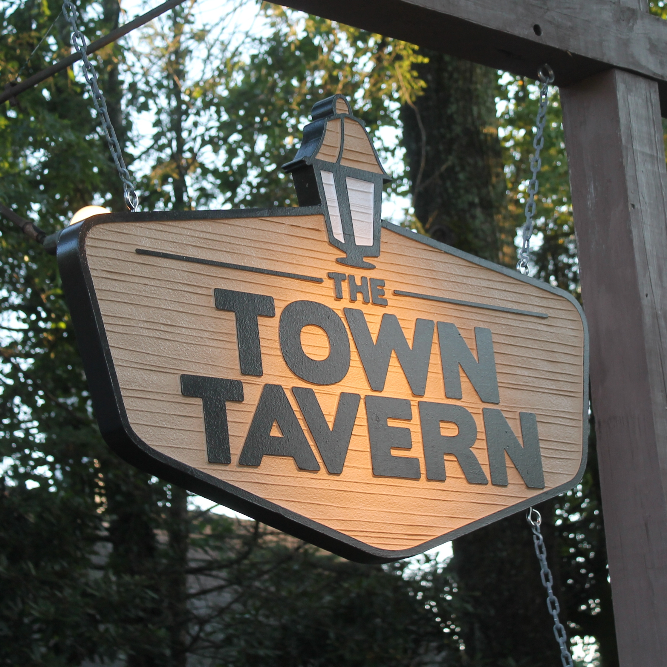 towntavernblowingrocksign