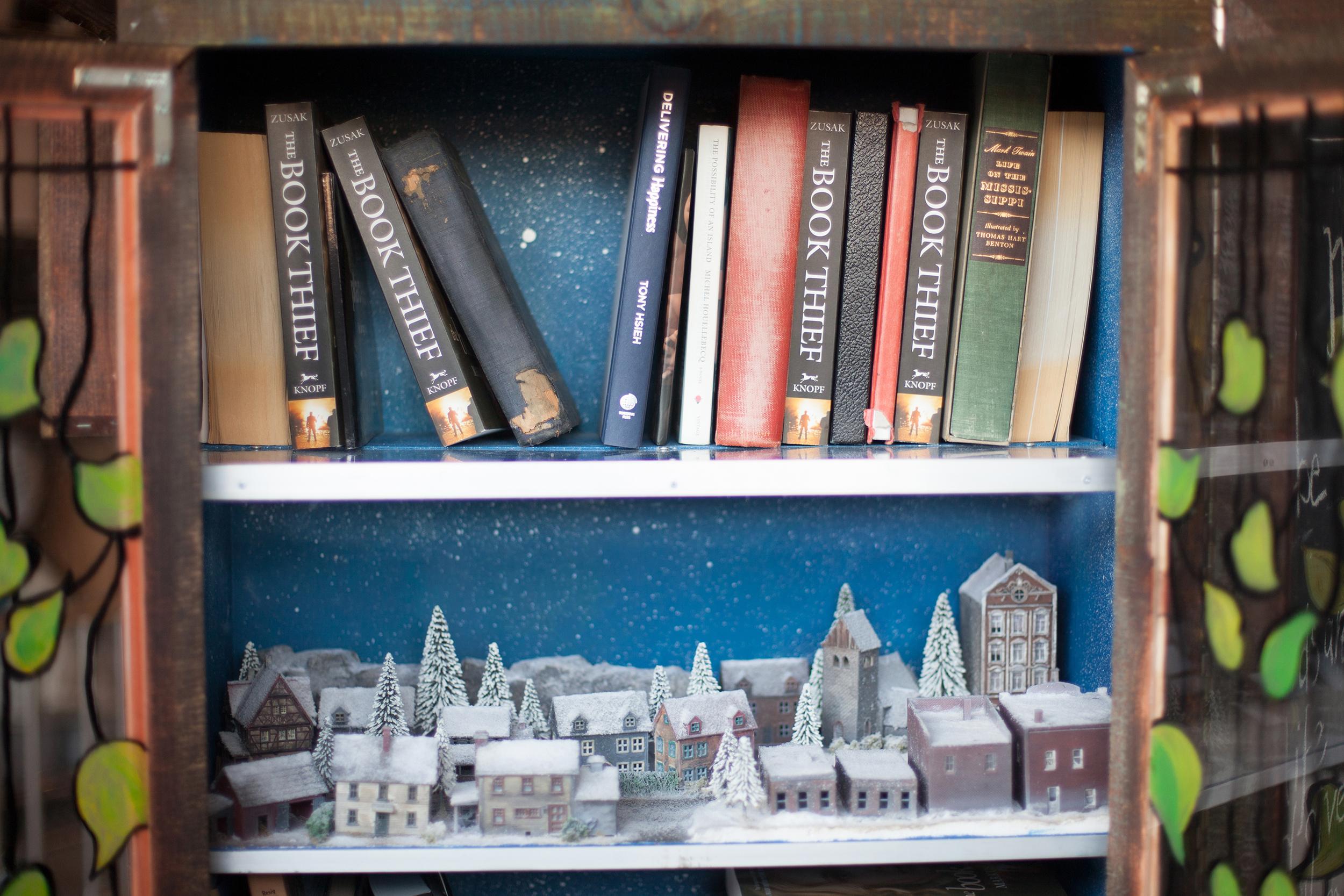 little-library-04.jpg