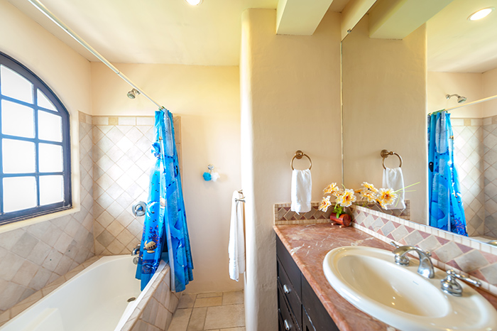 Private Bathroom of Bedroom One