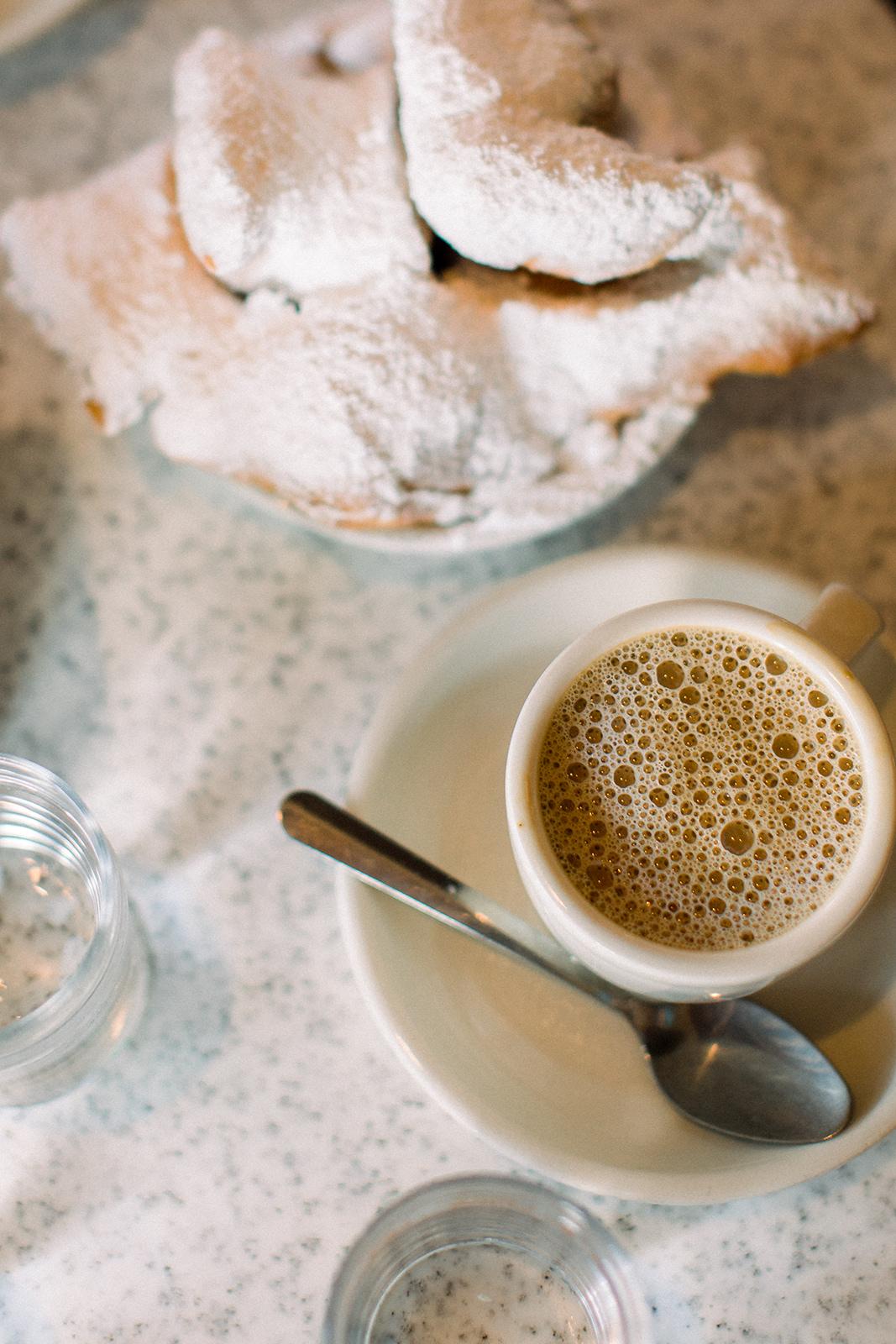 tour new orleans cafe du monde