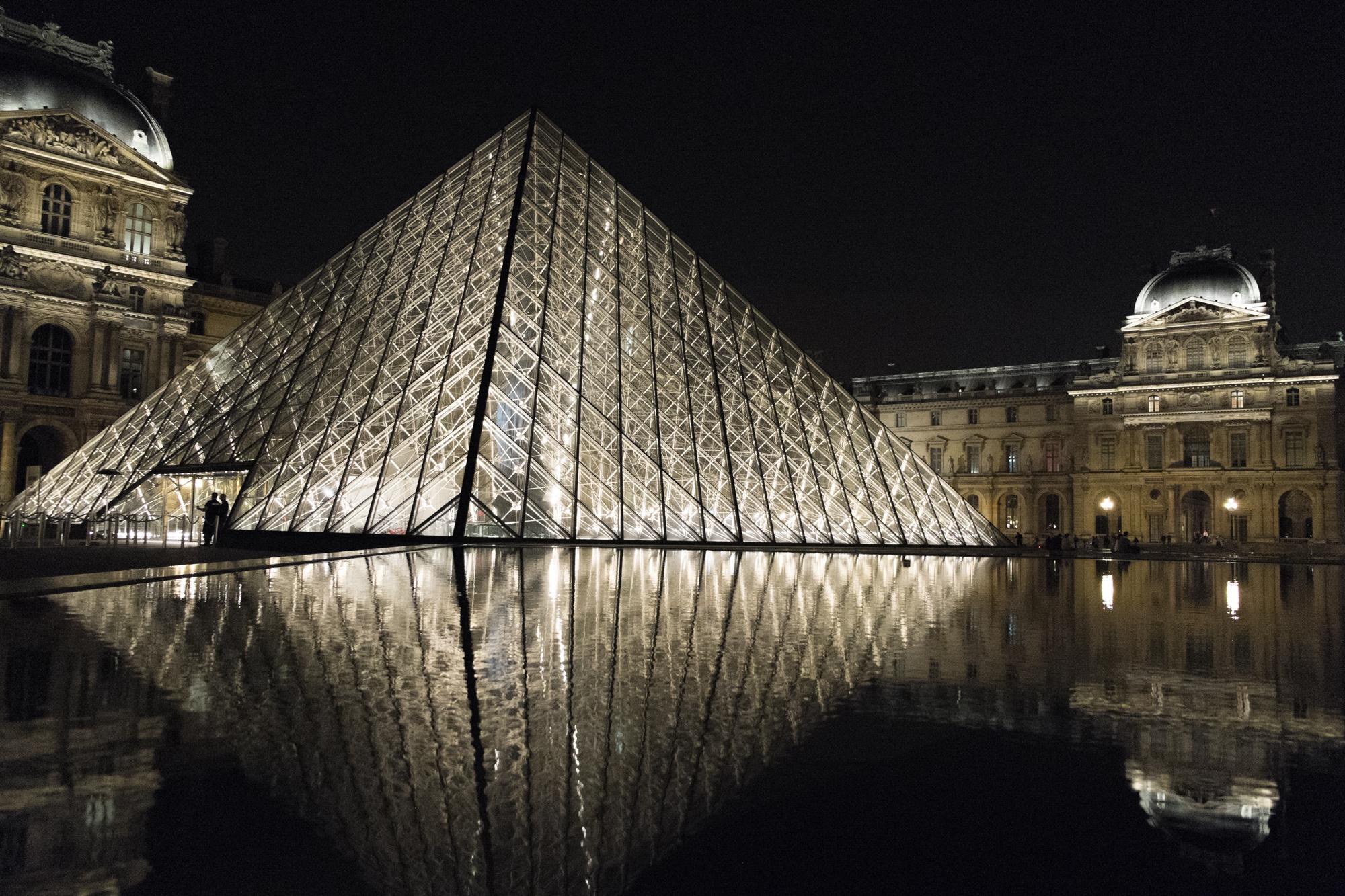 Louvre à Nuit   Purchase