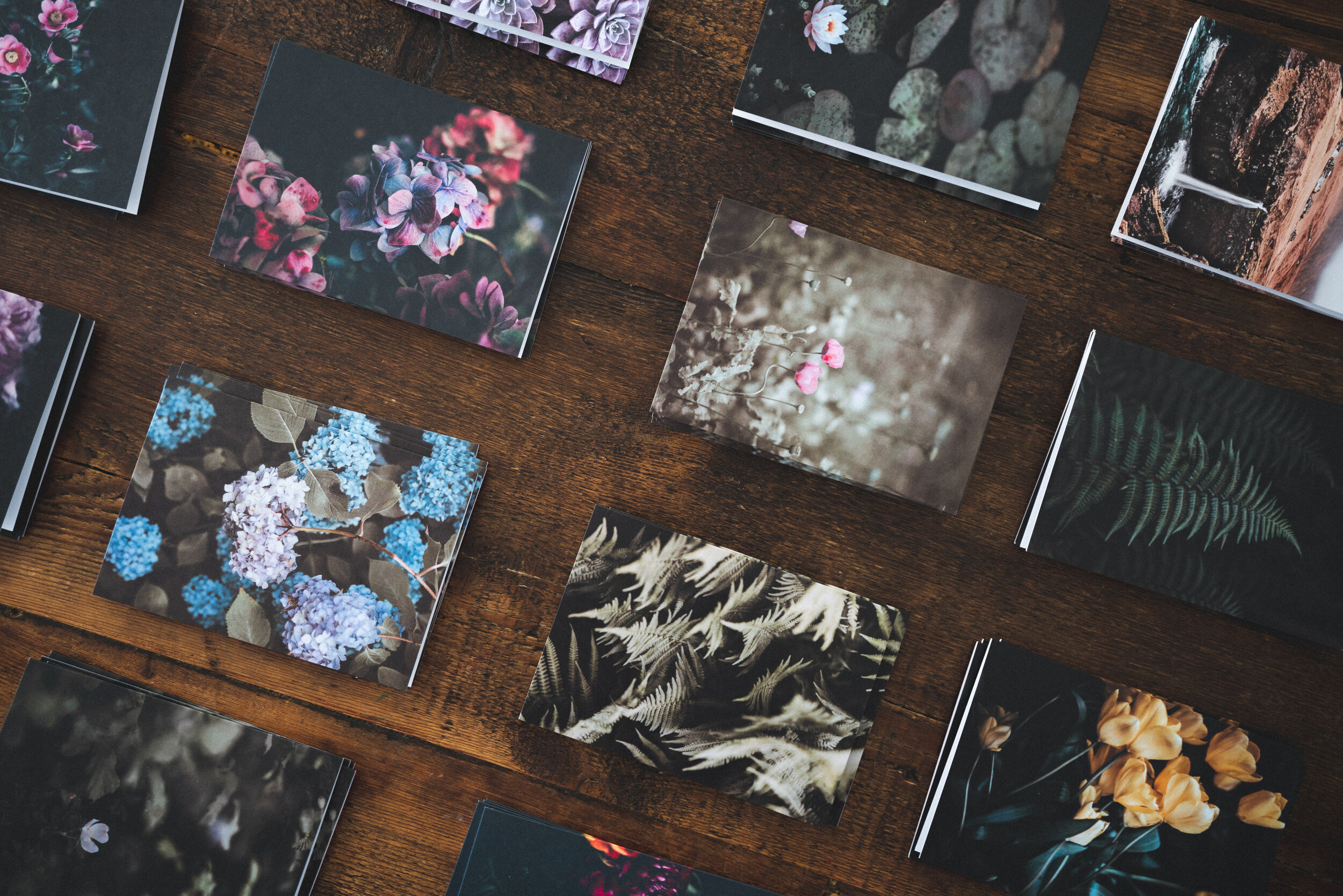Custom Prints  - We can create a custom one-of-a-kind graphic for your photos. It's a great way to tie the experience into the theme of your event and makes the photos just that much memorable.
