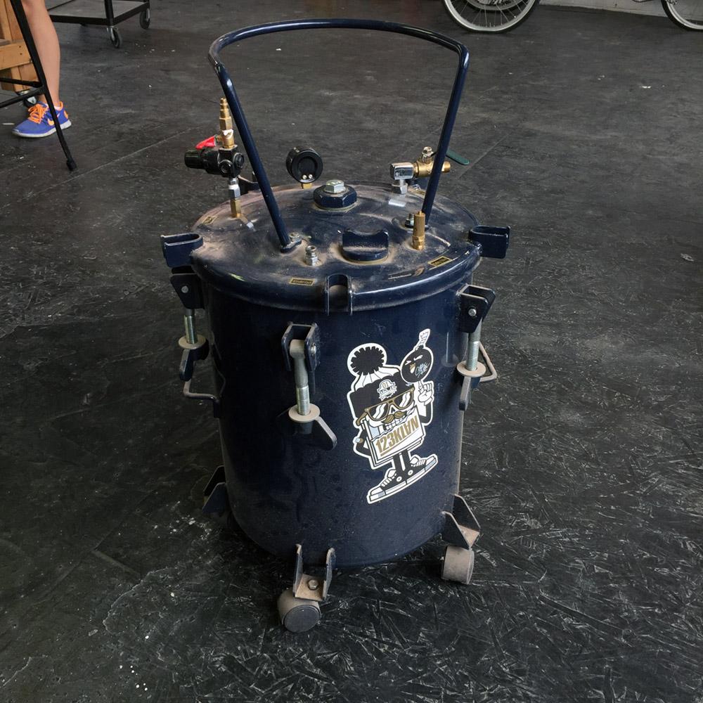 $50 - 10 Gallon Pressure Tank - 10 Gallon
