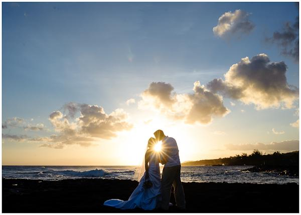 kiss starburst kauai wedding south rocky shoreline