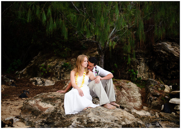 natural beautiful wedding photos at shipwreck beach