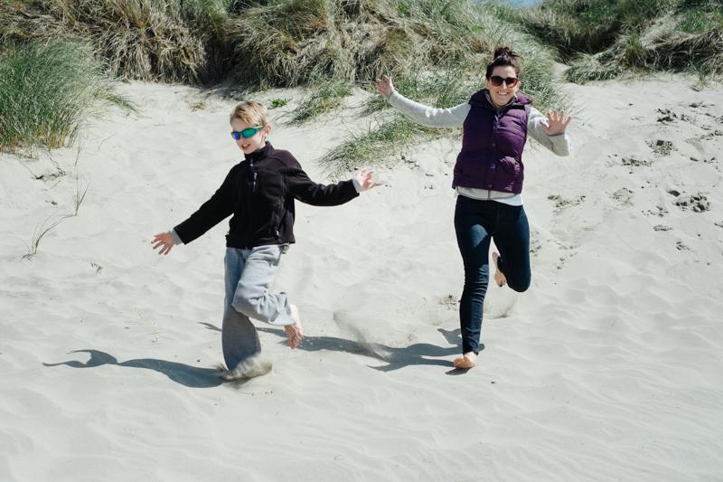 cape-kiwanda-oregon-beach-family-005.jpg