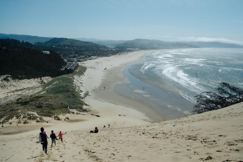 cape-kiwanda-oregon-beach-family-017.jpg