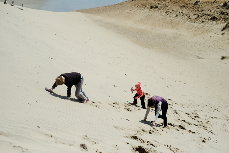 cape-kiwanda-oregon-beach-family-015.jpg