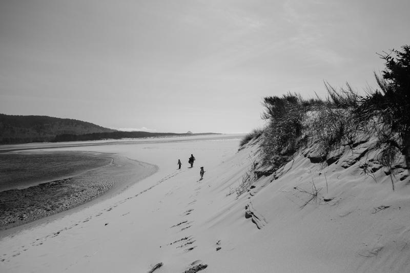 cape-kiwanda-oregon-beach-family-018.jpg