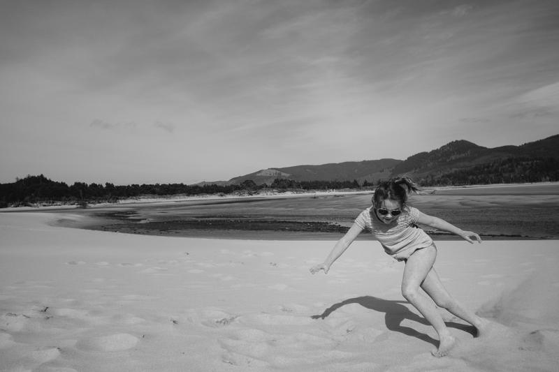 cape-kiwanda-oregon-beach-family-035.jpg