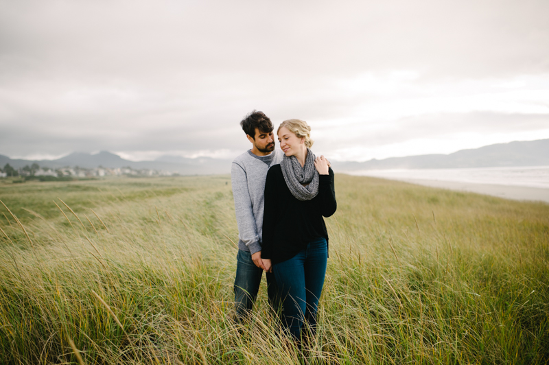 oregon-coast-seaside-engagement-04.jpg