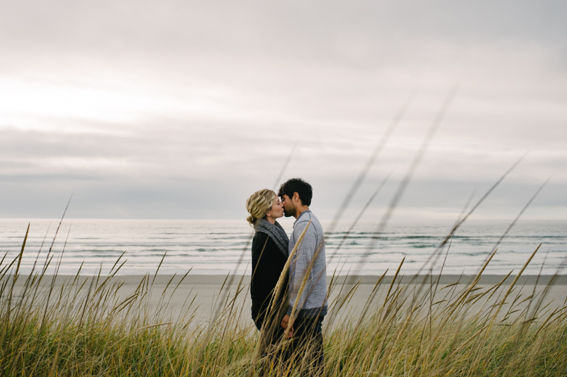 oregon-coast-seaside-engagement-06.jpg