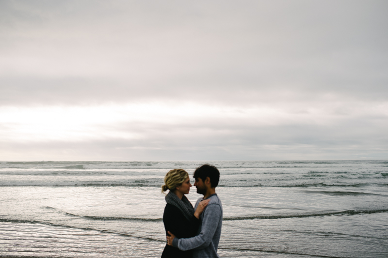 oregon-coast-seaside-engagement-15.jpg