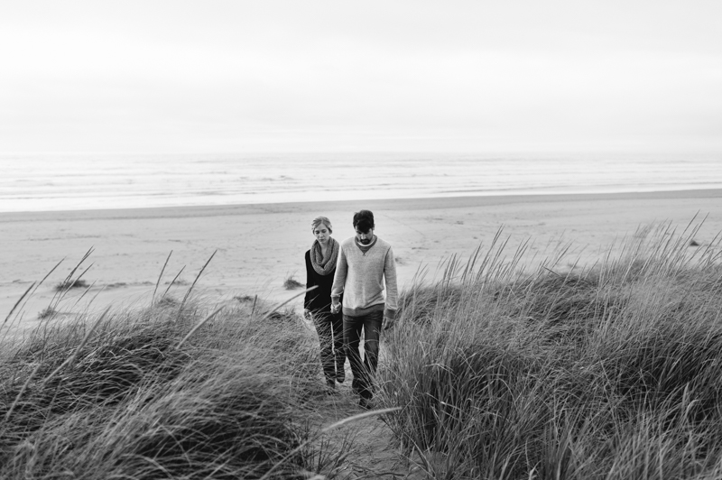 oregon-coast-seaside-engagement-17.jpg