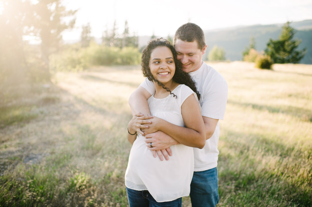 columbia-gorge-family-photographs-maternity-19.jpg