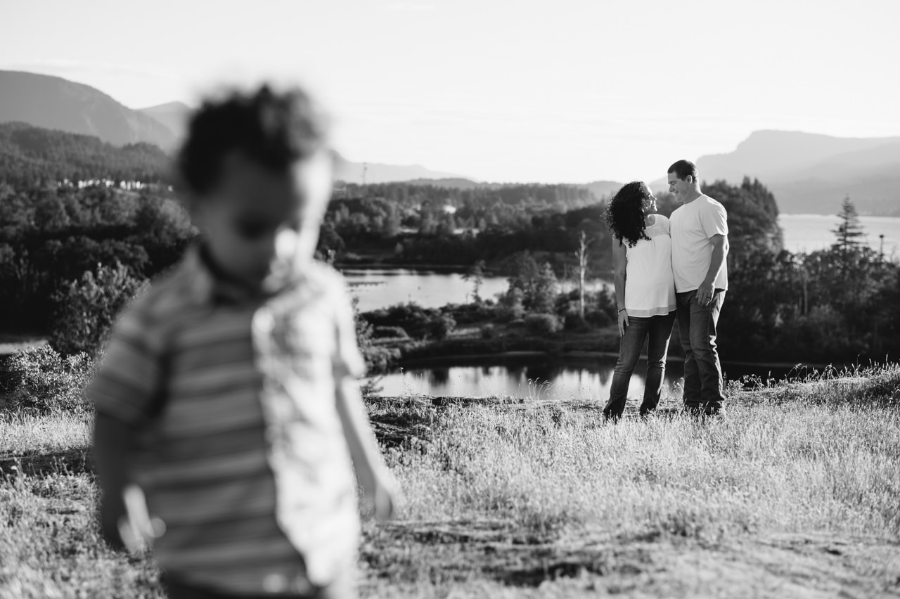 columbia-gorge-family-photographs-maternity-22.jpg