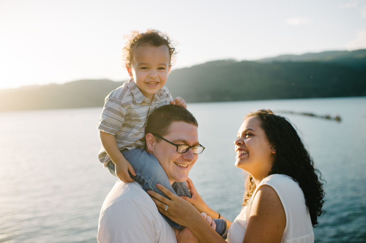 columbia-gorge-family-photographs-maternity-31.jpg
