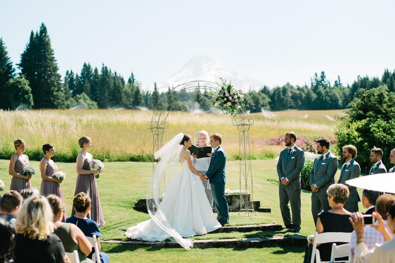 mt-hood-bed-breakfast-wedding-036.jpg