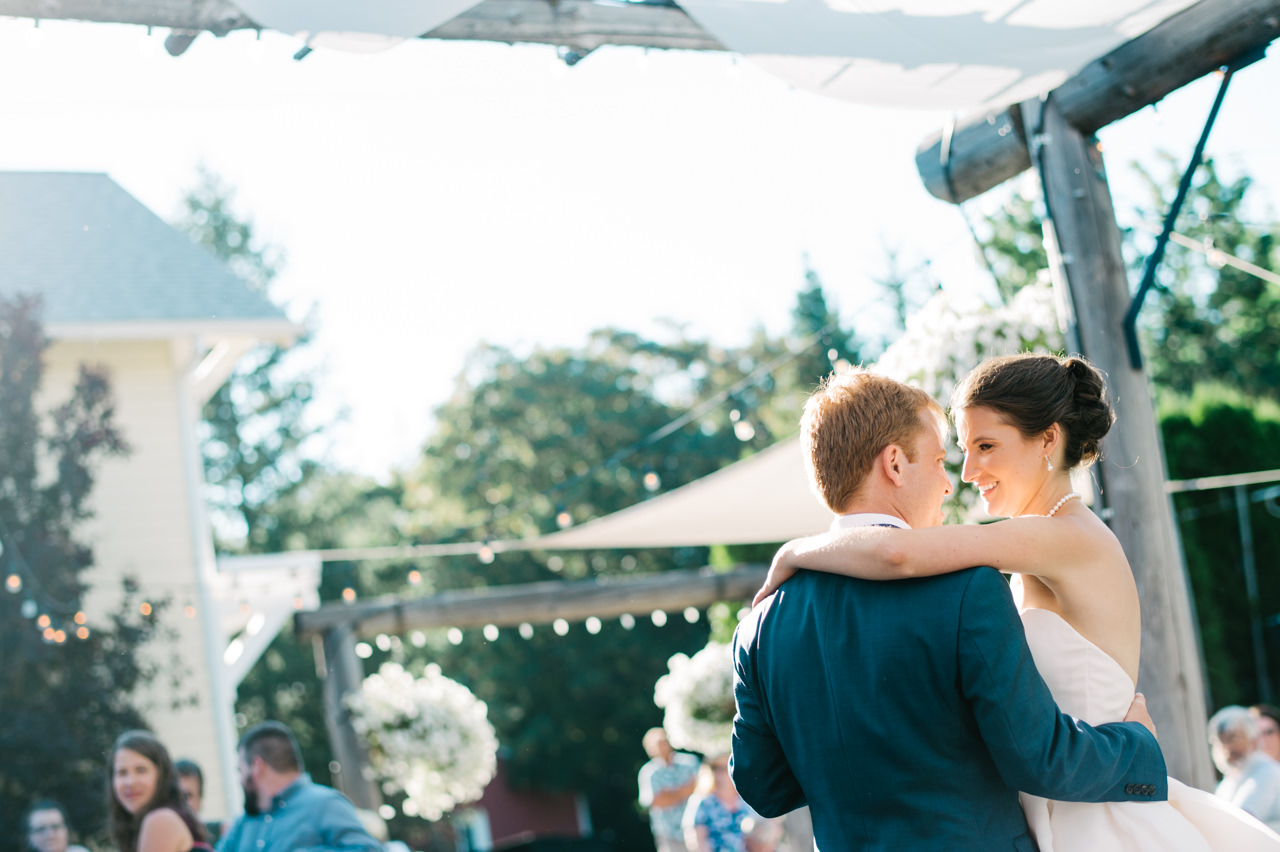 mt-hood-bed-breakfast-wedding-066a.jpg