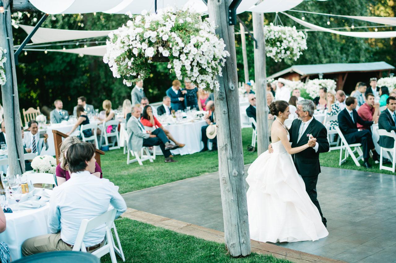 mt-hood-bed-breakfast-wedding-075.jpg