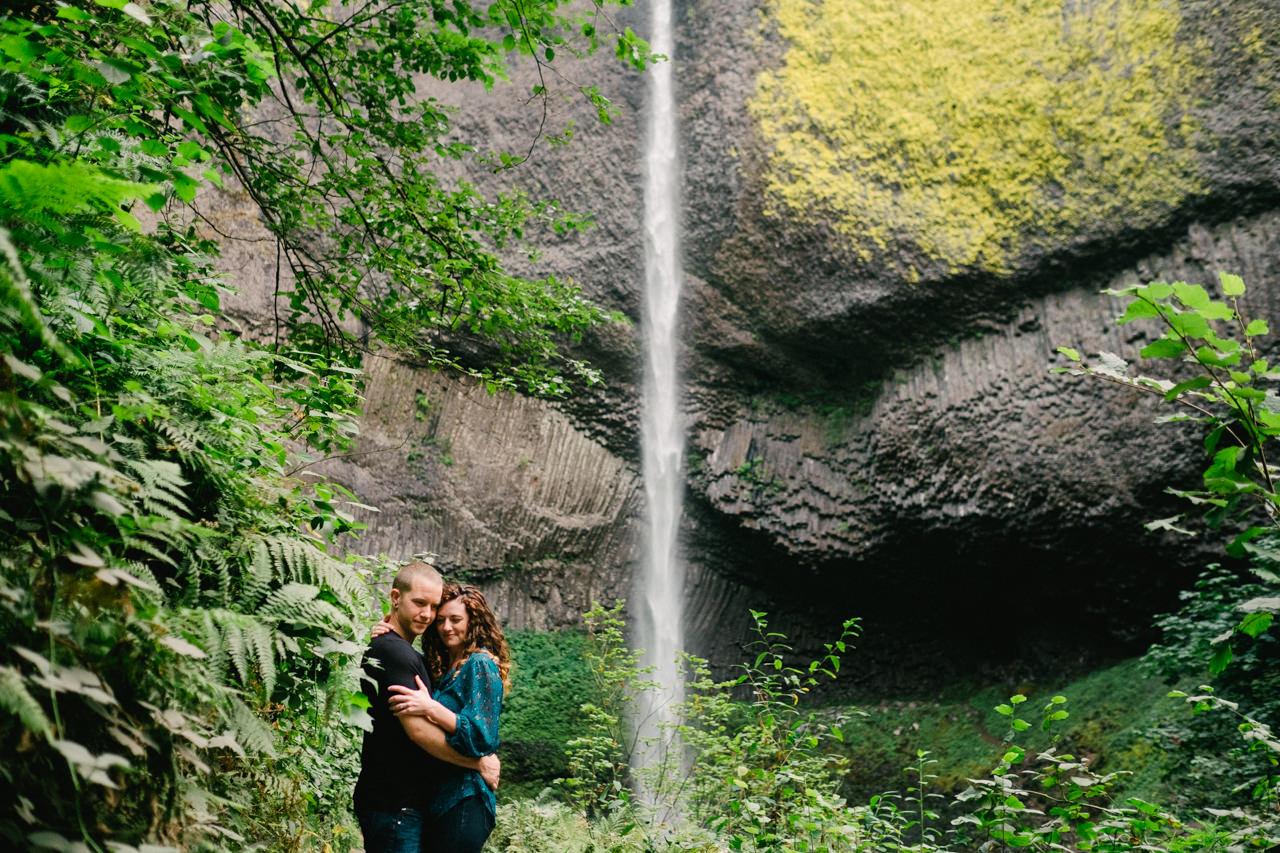 latourell-falls-columbia-gorge-engagement-016.jpg