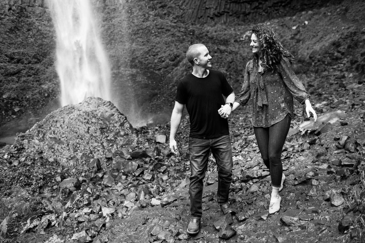 latourell-falls-columbia-gorge-engagement-019.jpg