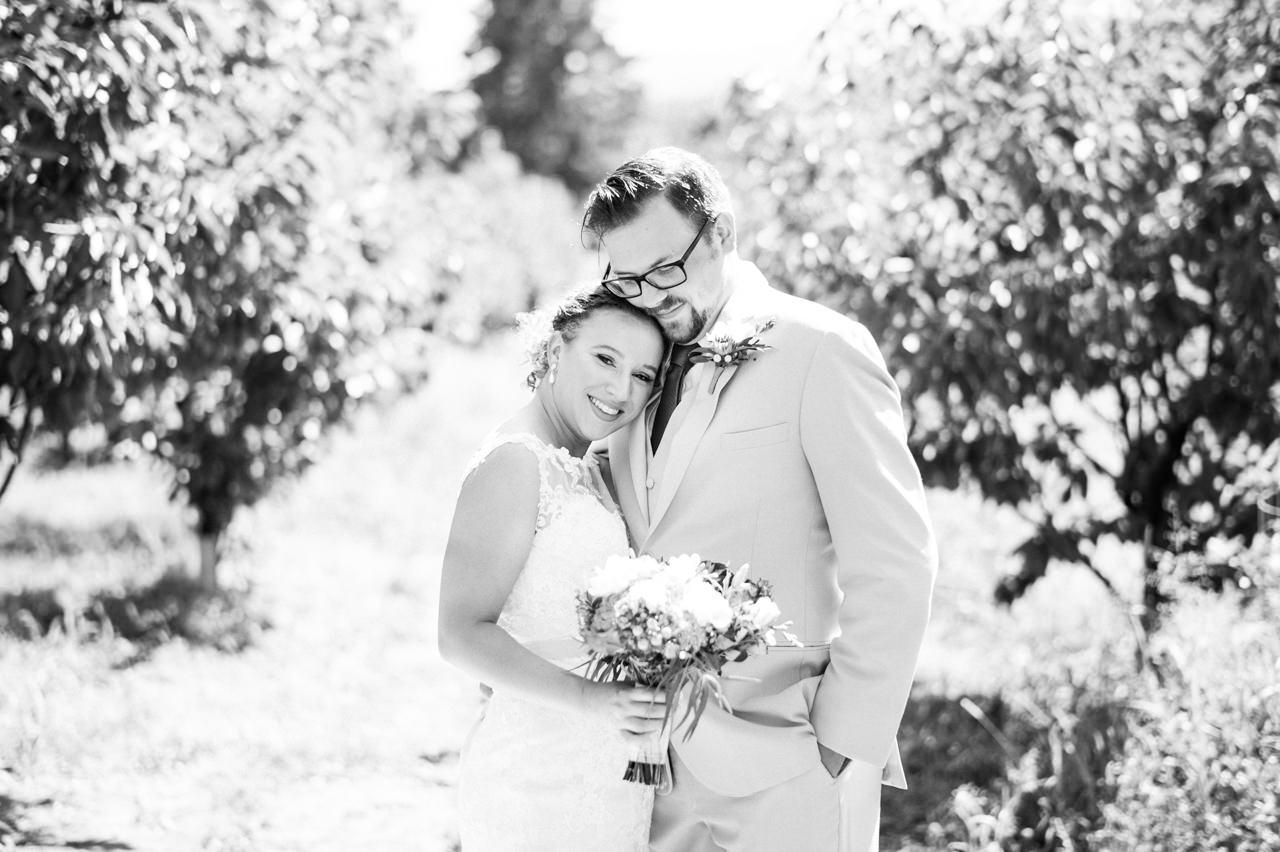 mt-view-orchards-hood-river-wedding-038aa.jpg