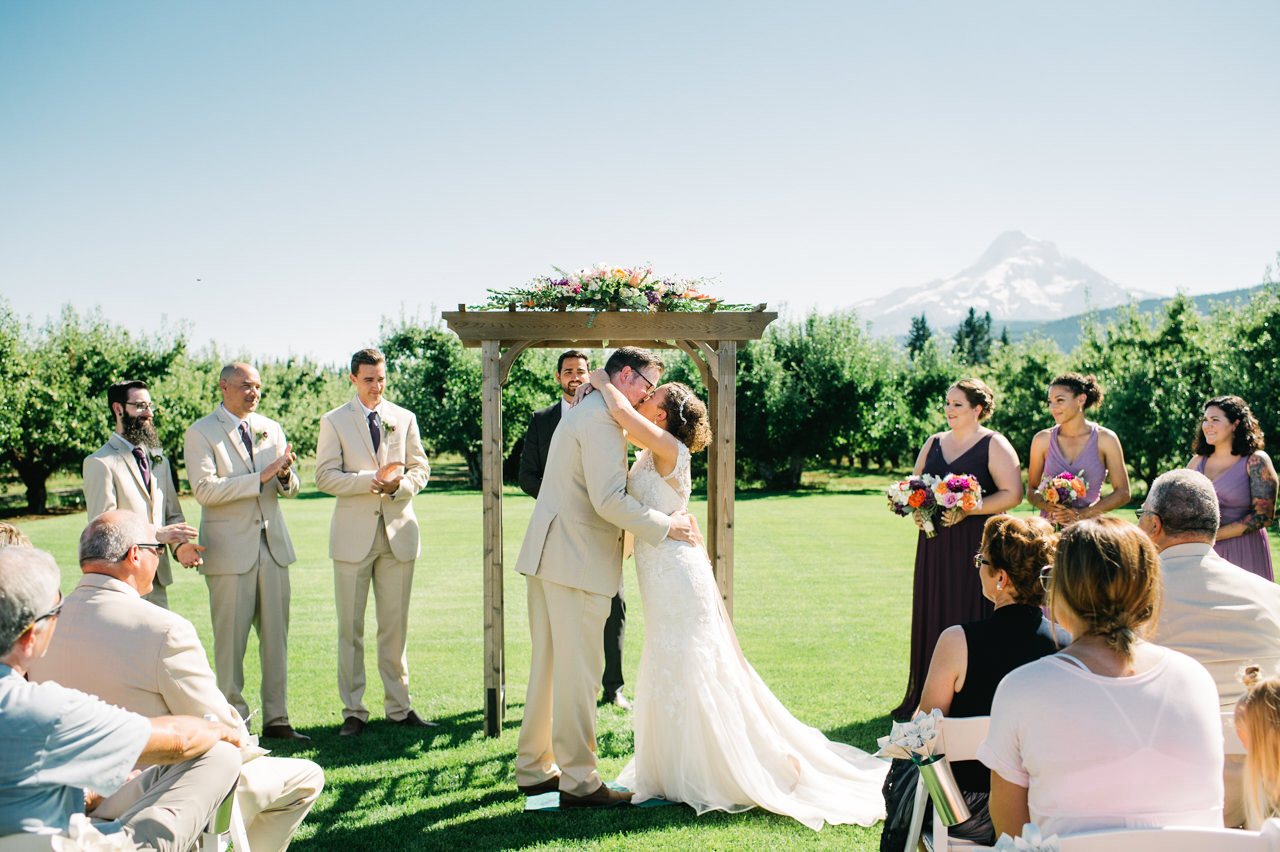 mt-view-orchards-hood-river-wedding-055.jpg