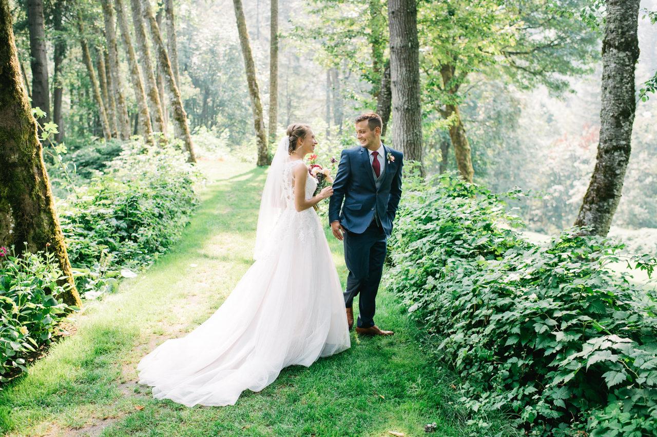 bridal-veil-lakes-oregon-wedding-032.jpg