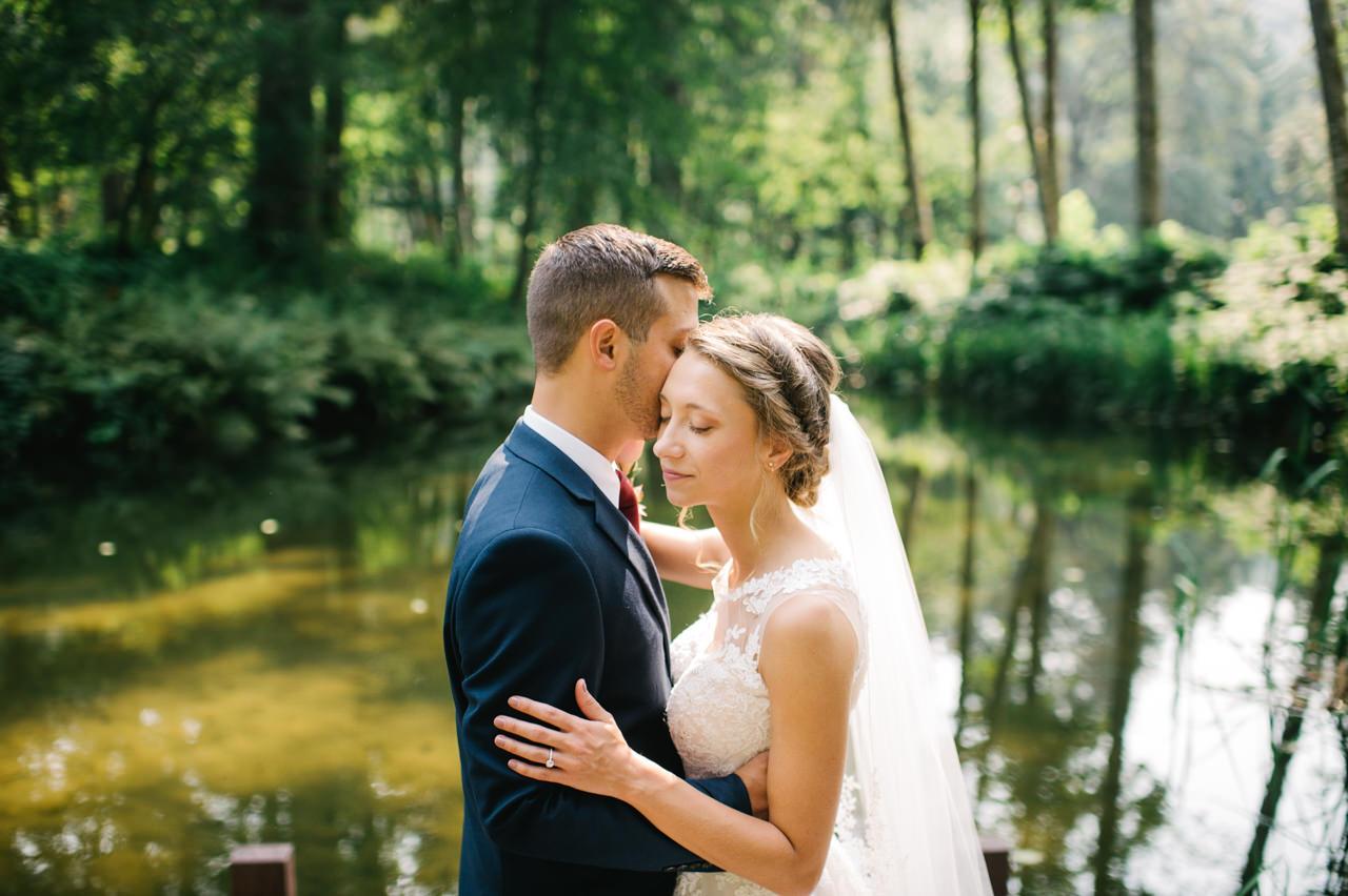 bridal-veil-lakes-oregon-wedding-039.jpg