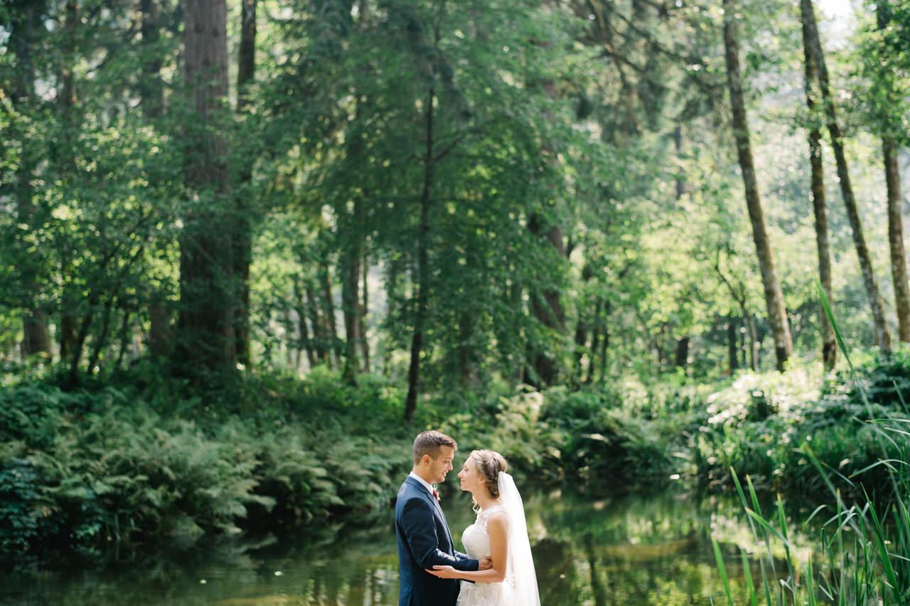 bridal-veil-lakes-oregon-wedding-039a.jpg