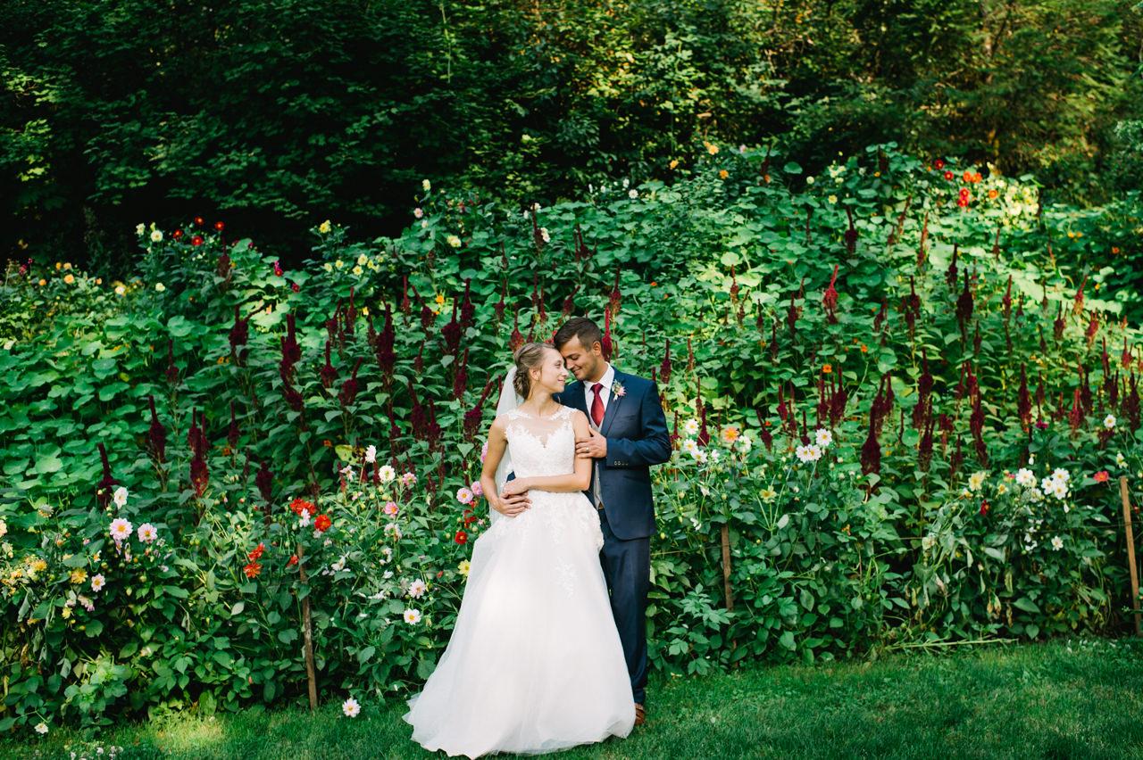 bridal-veil-lakes-oregon-wedding-074.jpg