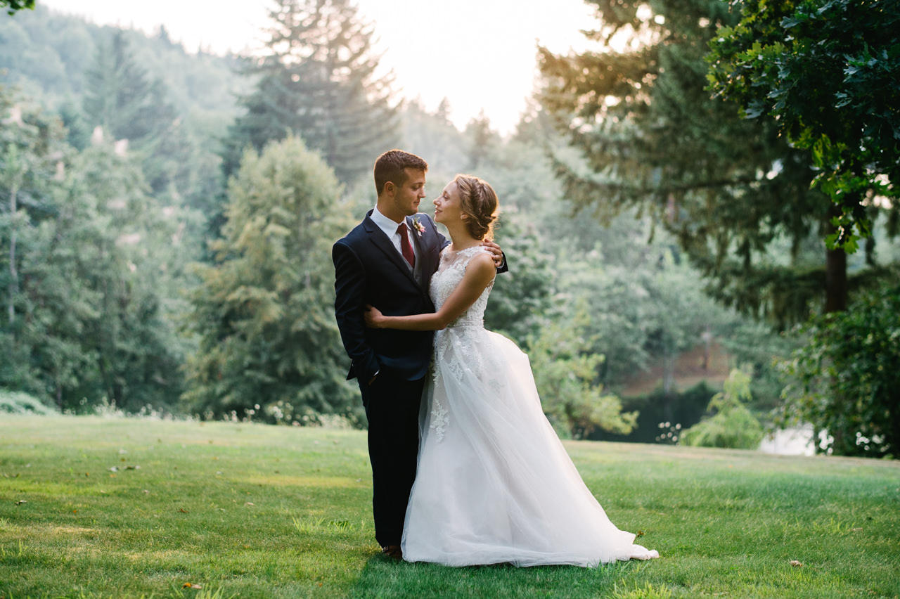 bridal-veil-lakes-oregon-wedding-078.jpg