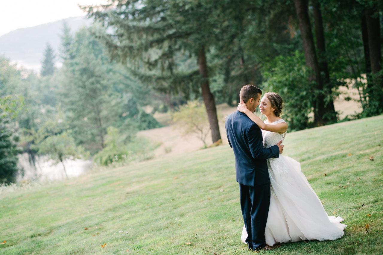 bridal-veil-lakes-oregon-wedding-081.jpg