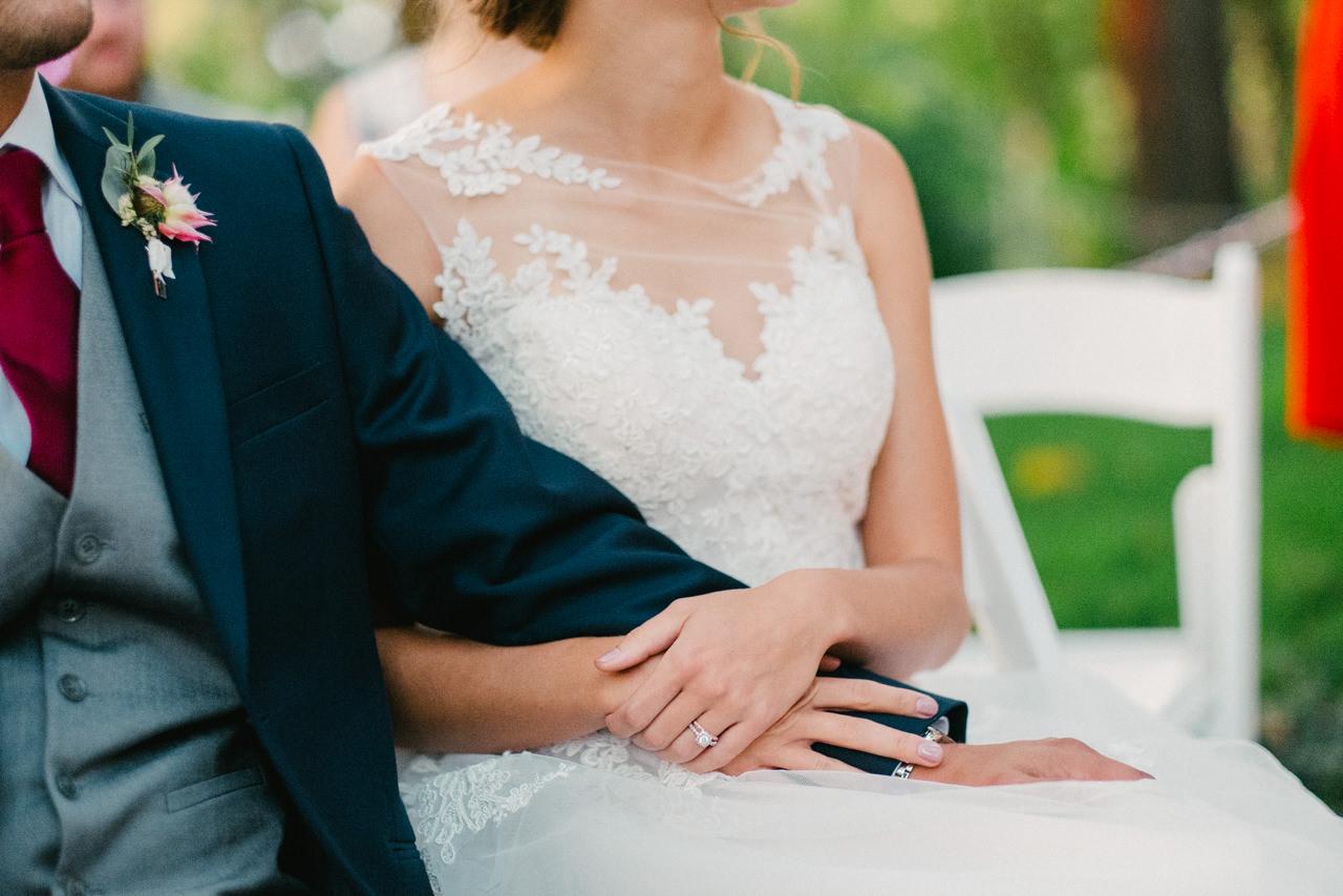 bridal-veil-lakes-oregon-wedding-091.jpg