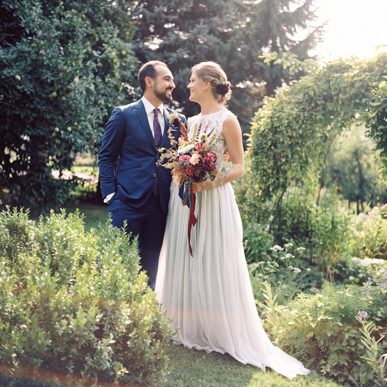 mt-hood-organic-farms-film-wedding-09.jpg