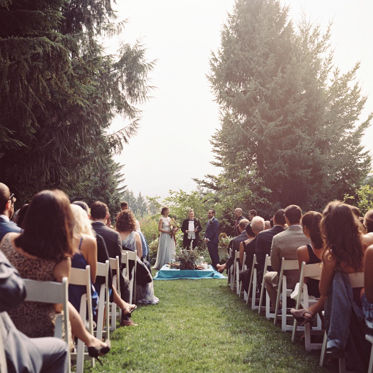 mt-hood-organic-farms-film-wedding-14a.jpg